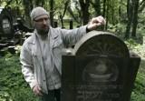 Miasteczko Śląskie: Dariusz Walerjański opowie o cmentarzu żydowskim