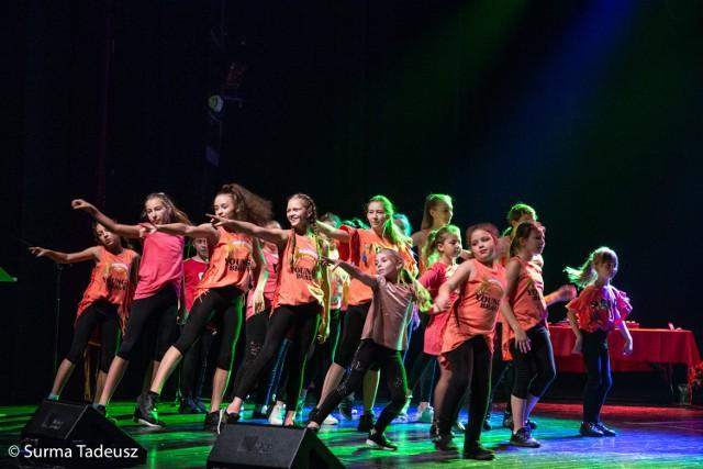 Dzieci ze świetlic TPD miały okazję zaprezentować w SCK swoje talenty.