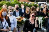 Mandat za brak maseczki na cmentarzu nie tylko 1 listopada? Święto Wszystkich Świętych z nowymi obostrzeniami w tle