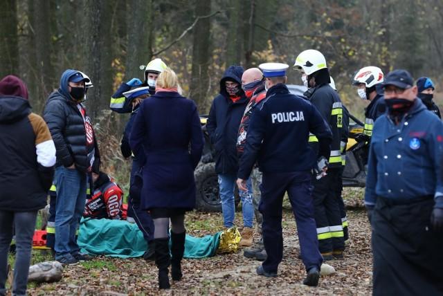 Zdarzenie z udziałem kierowcy i pasażera quada w lesie w Żerominie (powiat łódzki wschodni) 21.11.2020