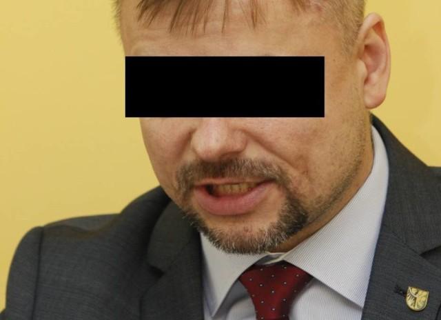 Za zarzucone Jackowi C., burmistrzowi Boguszowa-Gorc przestępstwo grozi kara od roku do 10 lat pozbawienia wolności
