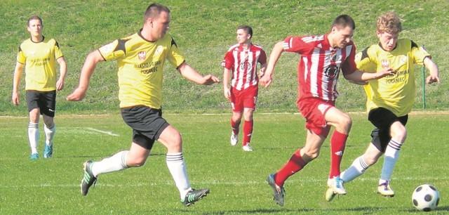 Tak Krystian Zaręba (drugi z prawej) grał  w Zdroju wiosną 2014 roku. Po niespełna  dwóch latach powraca do buskiej drużyny i ma być  tym piłkarzem, który rozrusza niemrawy atak czwartoligowca.