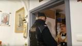 Policja weszła na mszę w Poznaniu i wyprowadziła księdza. Dlaczego? Zobacz wideo!