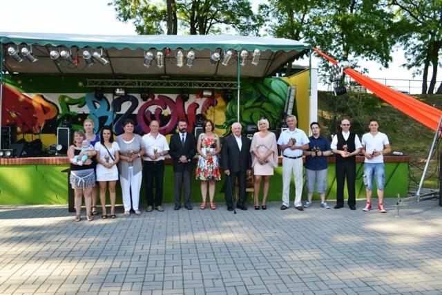 Zdjęcie ilustrujące uczestników obchodów trzydziestej rocznicy istnienia GOK w Perzowie