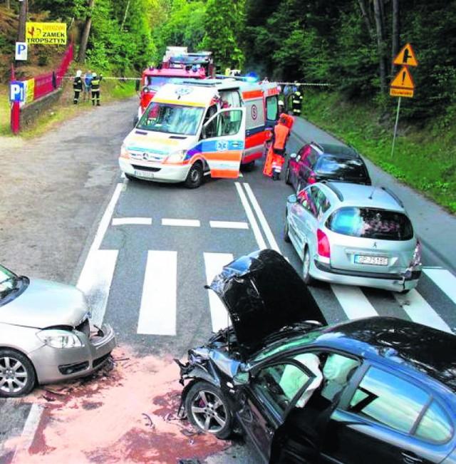 W lipcu przy zamku doszło do zderzenia kilku aut. Pięć osób zostało rannych. Dwie z nich w stanie ciężkim trafiły do szpitala