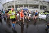 Silesia Marathon 2020. Biegacze wystartowali ze Stadionu Śląskiego. Zobaczcie ZDJĘCIA