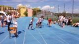 Wałbrzych: Lekkoatletyczne zmagania dzieci na boisku przy szkole 26