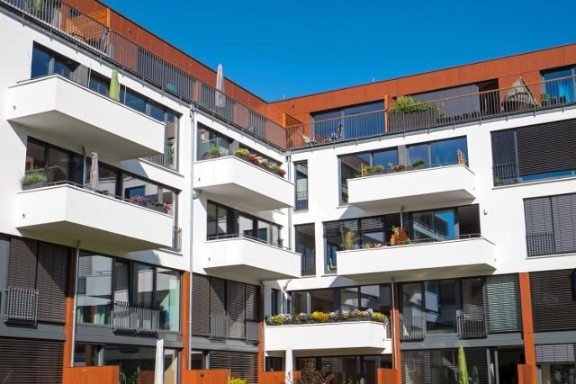 Przeciętne gospodarstwo domowe może dziś zapomnieć o zakupie mieszkania w centrum dużego miasta – pozostają dalekie przedmieścia.