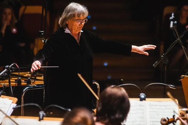 Agnieszka Duczmal poprowadzi orkiestrę podczas koncertu inaugurującego 9. edycję festiwalu Emanacje
