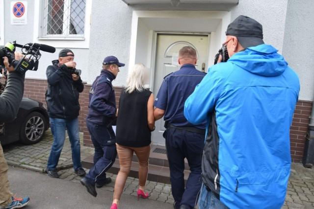 Prokuratura w Szczecinku postawiła zarzuty dyrektorce jednego z przedszkoli w Barwicach, w którym miało dochodzić do krępowania rąk jednemu z dzieci.