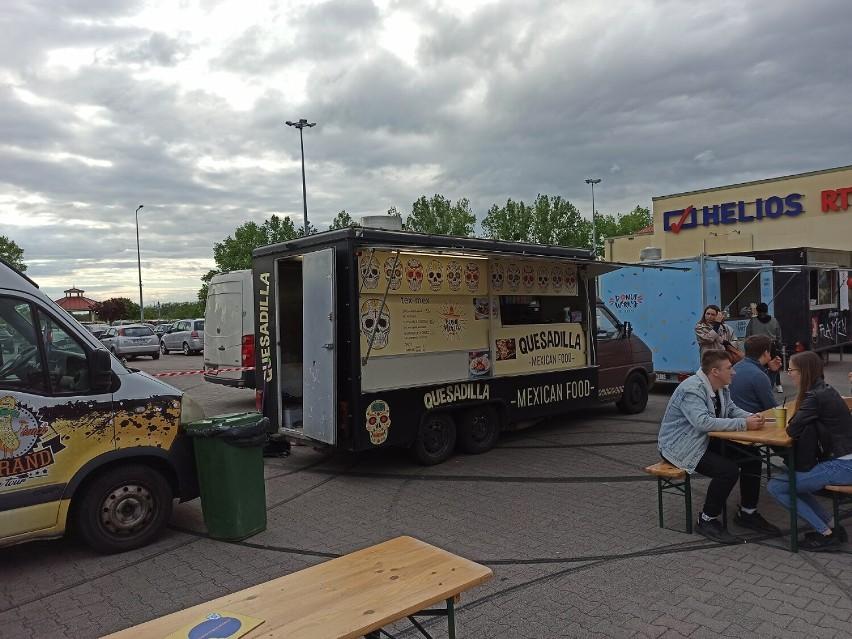 Zlot Food Trucków przyciągnął sporo miłośników street foodu