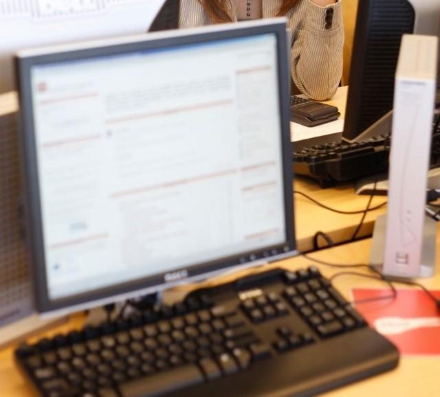 Studentki mają mejle, nagrania, zapisy rozmów z komunikatora Gadu-Gadu, potwierdzające ich wersję.