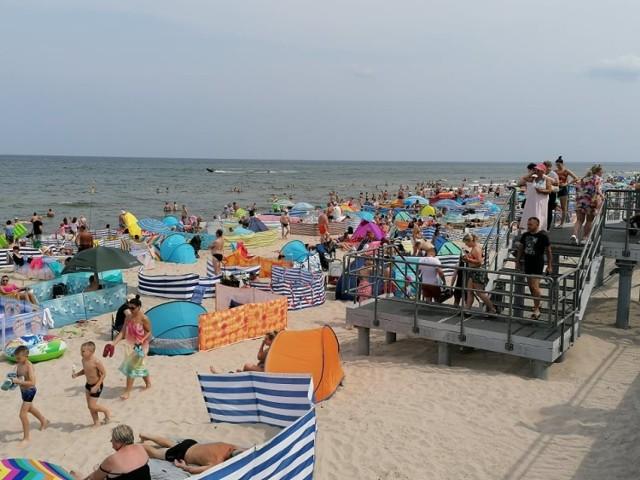 Niedziela na plaży w Sarbinowie.