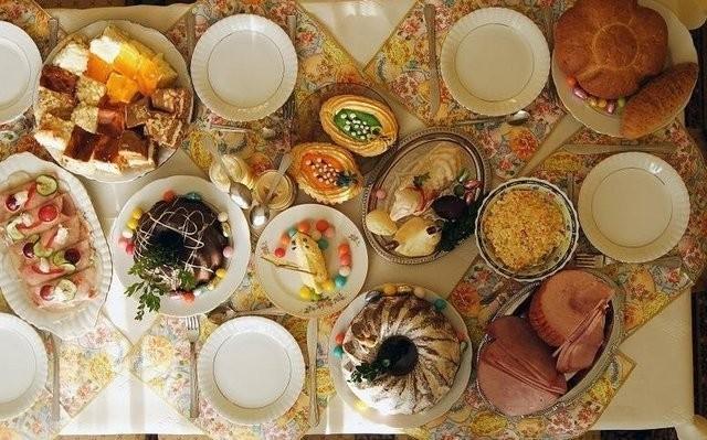 Polskim zwyczajem jest świąteczne objadanie się. Potrawy smaczne, ale w nadmiarze nie służą naszemu zdrowiu