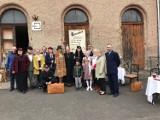 Dworzec kolejowy w Zawidowie znów tętnił życiem! Wszystko za sprawą ciekawego spektaklu [ZDJĘCIA]