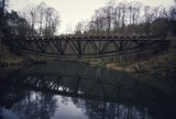 Przyjechali z Poznania tylko po to by obejrzeć wysadzony most nad Gwdą