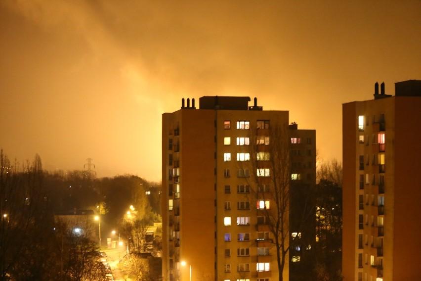 Pożar w Siemianowicach. Płonął zakład przetwarzania odpadów. Widzieliście ogień?