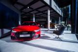 Audi City Warszawa. Niemiecki koncern uruchomił luksusowy sklep w centrum stolicy. Można w nim skonfigurować wymarzony samochód