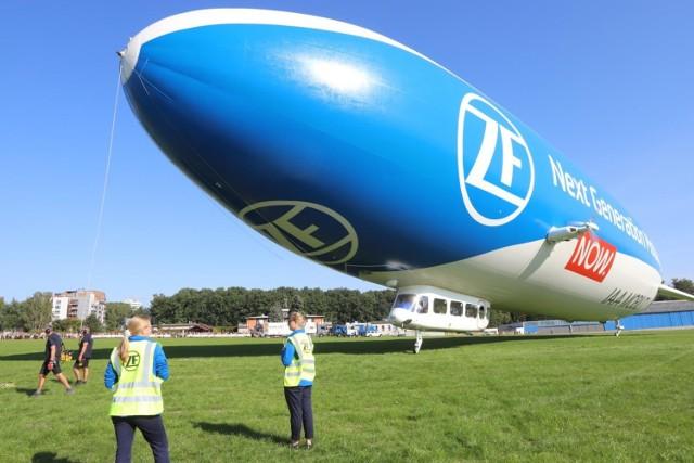 11.09.2021 katowice lotnisko muchowiec zeppelin fot. karina trojok / dziennik zachodni / polska press