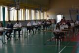 Zamość: egzamin ósmoklasisty podczas pandemii. Obowiązkowe maseczki, ale nie przez przez cały czas trwania zmagań egzaminacyjnych [ZDJĘCIA]