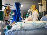 Czechy: Szpitale na granicy wydolności, brakuje respiratorów. Będzie lockdown