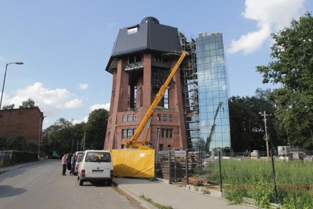 Dawna wieża ciśnień w Zabrzu ma stać się jedną z perełek na zabrzańskim, industrialnym szlaku zabytków  Zobacz kolejne zdjęcia. Przesuwaj zdjęcia w prawo - naciśnij strzałkę lub przycisk NASTĘPNE