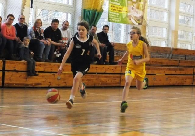 Koszykówka, turniej ligi wojewódzkiej w Bełchatowie