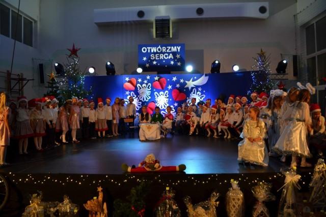 Otwórzmy Serca - Kiermasz Świąteczny w Szkole Podstawowej nr 1 w Kartuzach