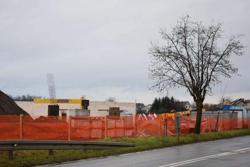Zbąszyń: Wmurowanie aktu erekcyjnego pod budowę Centrum Zarządzania Kryzysowego wraz z remizą strażacką dla OSP - 22 grudnia 2020  [Zdjęcia]