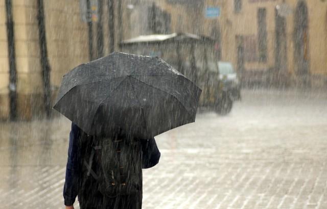 IMGW ostrzeżenia pogodowe: Intensywne opady deszczu w Małopolsce i na Podkarpaciu