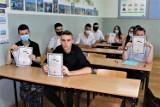Matura 2021. Łęczyccy maturzyści poznali wyniki egzaminów. Jaka zdawalność w liceach i technikach?