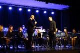 WSCHOWA. Uroczysty koncert Młodzieżowej Orkiestry Dętej na 15-lecie działalności był ucztą dla melomanów [ZDJĘCIA]