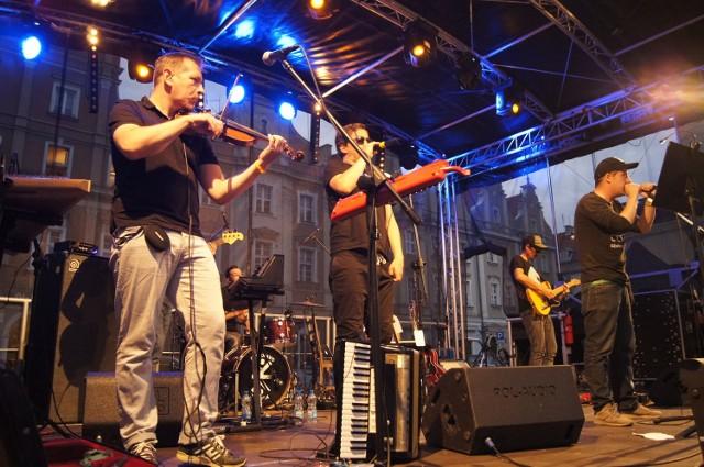 Pablopavo i Ludziki na Letniej Scenie NCPP w Opolu. Na koncert na rynku przyszły tłumy opolan