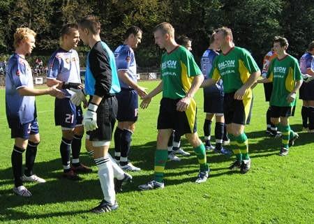 Piłkarze Mieszko Piasta zagrają  w Puńcowie niemal w optymalnym składzie. Być może wykuruje się nawet Grzegorz Wisełka (drugi z prawej).