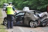 Śmiertelny wypadek na trasie Kartuzy - Dzierżążno. Zginęła 1 osoba [ZDJĘCIA, WIDEO]
