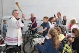 Pierwsza komunia w Wolsztynie. Proboszcz poświęcił rowery [ZDJĘCIA]