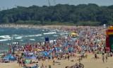 TOP 10 najbardziej irytujących zachowań na plażach. Co wkurza wypoczywających?