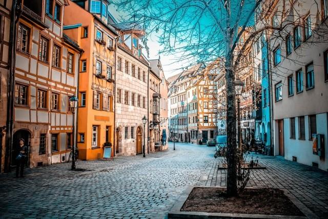 Norymberga, Niemcy  Wyloty z Krakowa: 25 kwietnia (39 zł), 4 maja (98 zł), 9 maja (54 zł) Przyloty do Krakowa: 2 maja (98 zł), 9 maja (112 zł)