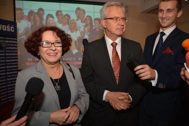 Wieczór wyborczy lubelskiego PiS. Elżbieta Kruk i Krzysztof Michałkiewicz - czołówka listy wyborczej tej partii.
