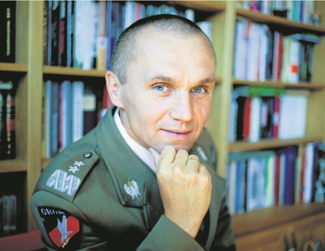 -Kiedy dzieje się źle, rolą dowódcy jest ratować, co się da i stabilizować sytuację - mówi  gen. Roman Polko