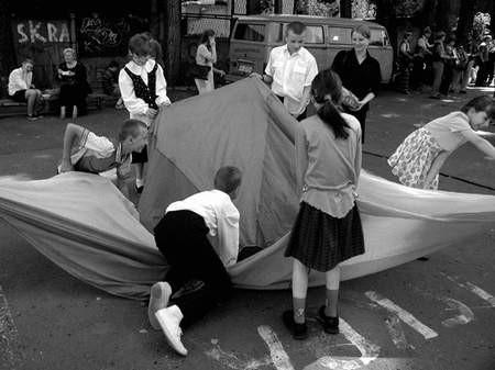 Niepełnosprawne dzieci bawiły się ze swymi zdrowymi rówieśnikami. Foto: JAKUB MORKOWSKI