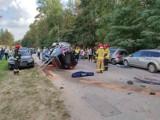 Sześć uszkodzonych samochodów w Starachowicach. Kierowca był pijany? [ZDJĘCIA]