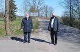 Gmina Cedry Wielkie. Ciąg pieszo-rowerowy Stanisławowo - Trutnowy na razie tylko z dokumentacją