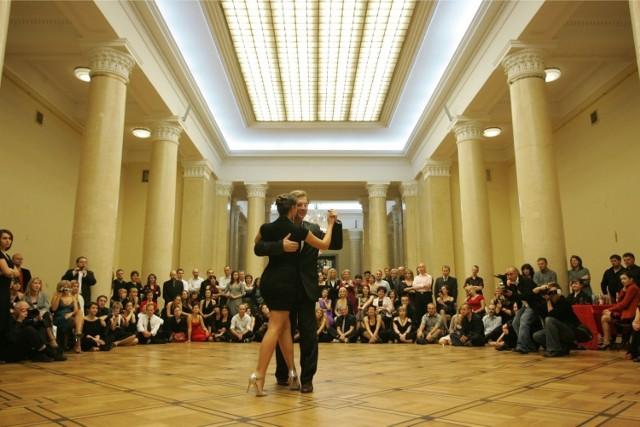 Wielki Bal Warszawy w Pałacu i na placu. Przyjdź i świętuj po królewsku [ZA DARMO]