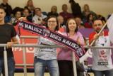 Kibice kaliskiej siatkówki w swoim żywiole. Tak było podczas meczu Energa MKS Kalisz - #Volley Wrocław. ZDJĘCIA