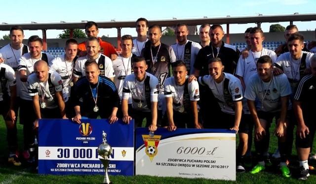 Regionalnego Pucharu Polski bronią piłkarze KSZO Ostrowiec, którzy w czerwcu ubiegłego roku pokonali Koronę Kielce aż 8:0