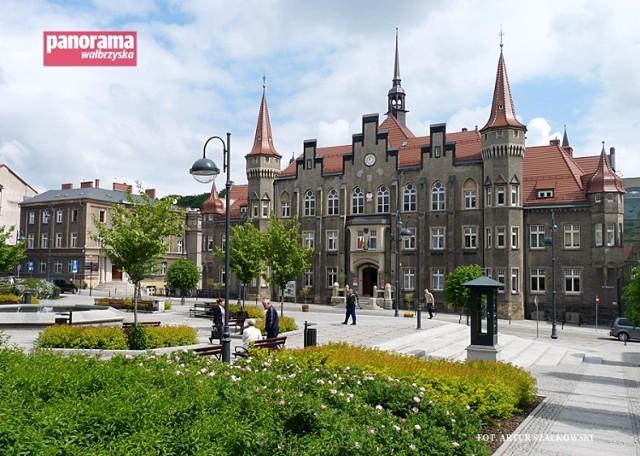 Po powrocie z ostatniej naprawy, pogodynka na pl. Magistrackim w Wałbrzychu działa bez zarzutu