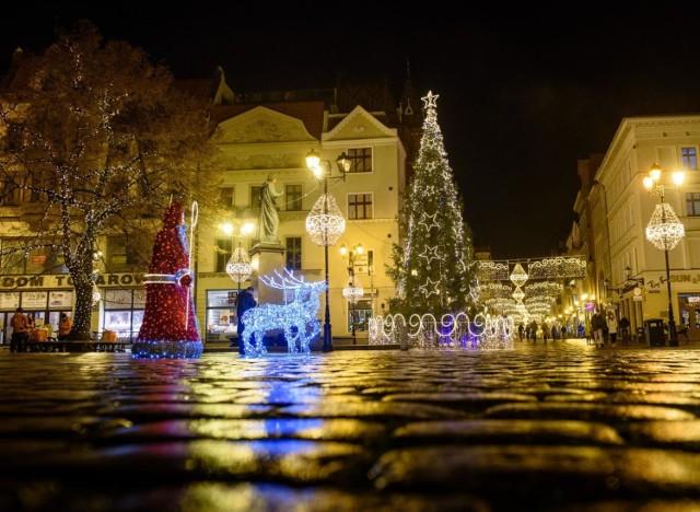 Na tegoroczne wydatki świąteczne przeznaczymy średnio 1286 zł, czyli o 10 proc. mniej niż w 2019 r.