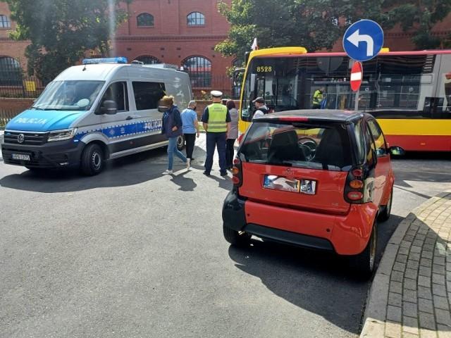 Wypadek z udziałem autobusu MPK we Wrocławiu 1.09.2021