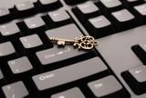 Licytacje komornicze nieruchomości przeniosą się do internetu. Rząd pracuje nad e-przetargami